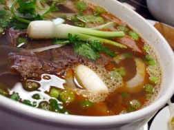Vietnamese Spicy Beef Noodle Soup. Source: asianpeach.wordpress.com